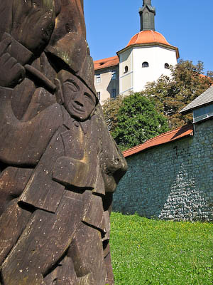 Sculpture and Loka Castle